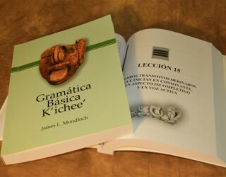 """La Universidad Mesoamericana de Guatemala realiza la publicación de la:  """"Gramática Básica K'ichee'"""""""