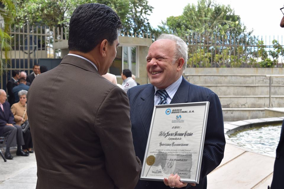 Homenaje Dr. Félix Javier Serrano Ursúa