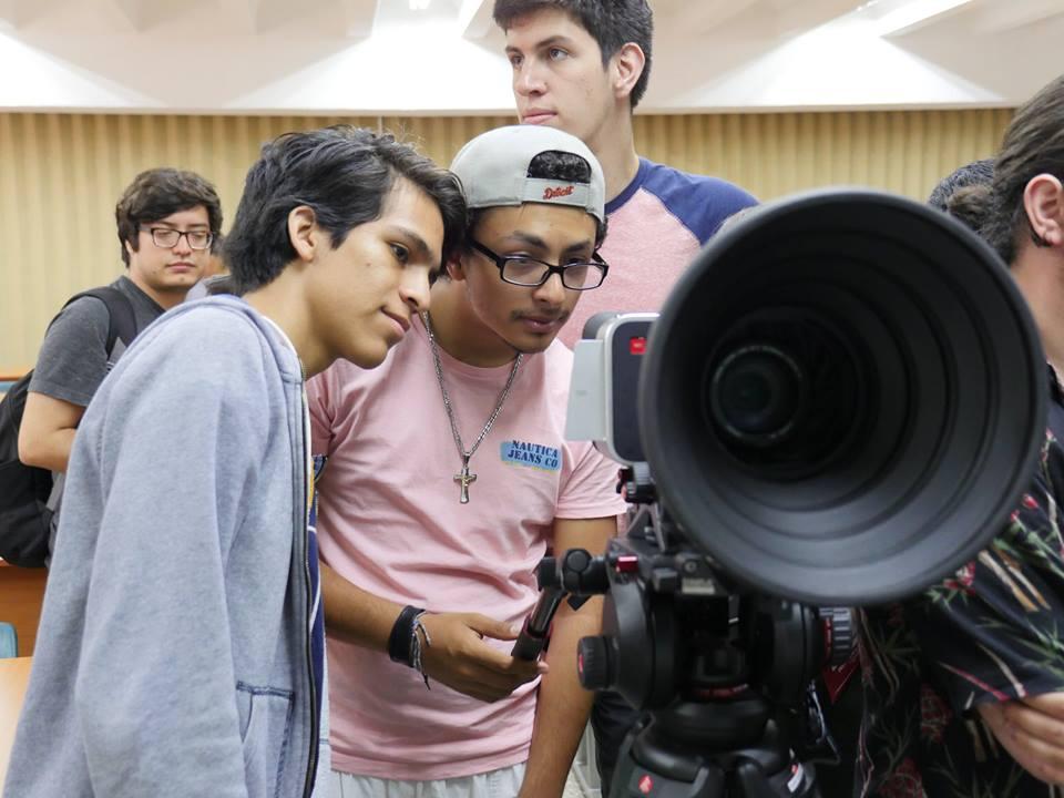 """Conferencia """"Diferencias Cámaras DSLR, CSC, Video y Cine"""""""
