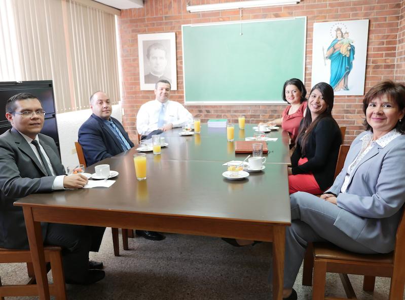 Reunión Egresados Ciencias Jurídicas y Sociales