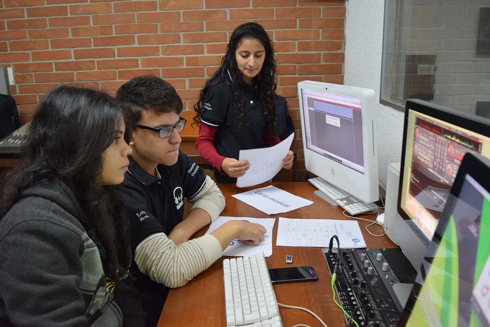 Transmisiones en vivo – Programas de Radio – Colegio Panamericano