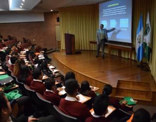 """""""Taller Desarrollo Creativo"""" – Colegio Panamericano"""