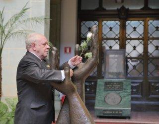 Cambio de la Rosa – Dr. Félix Javier Serrano Ursúa, sdb.